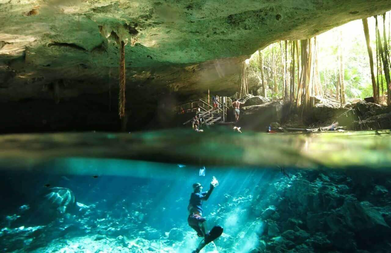 diving in tulum